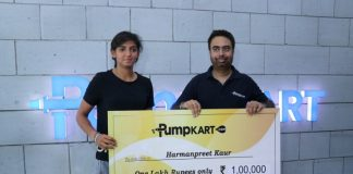Indian Cricket Player Harmanpreet presented 1 Lakh cheque by Pumpkart ,water pumps online