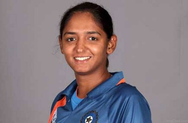 Indian Cricket Player Harmanpreet presented 1 Lakh cheque by Pumpkart