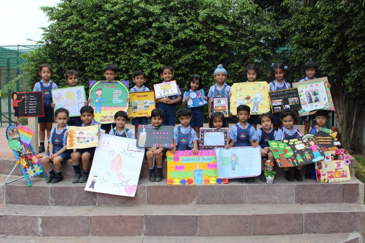 """Show & Tell Competition"" at RIMT World School"
