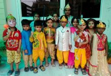Genius World Play School students celebrated Dusshera
