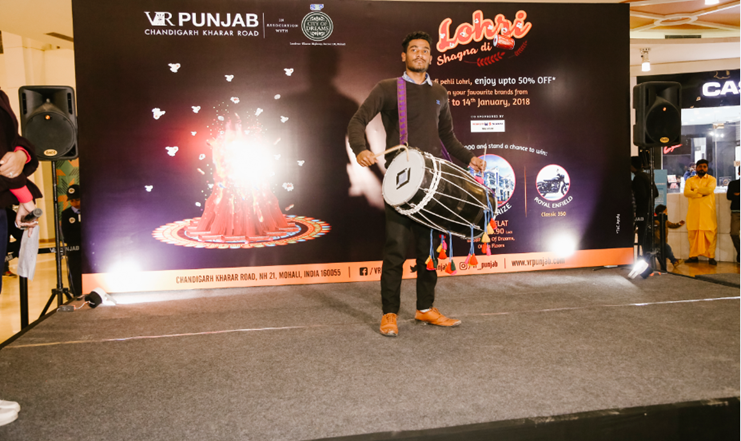 To showcase Punjab's rich cultural heritage, VR Punjab the popular shopping & entertainment destination, is celebrating its first Lohri festival - 'Lohri Shagna Di'