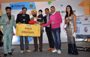 Tricity resident wins 3 bedroom apartment,courtesy a shopping extravaganza at VR Punjab