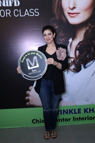 Star celebrity Twinkle Khanna felicitates INIFD Designers; conducts Mentor Class