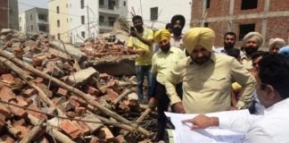 Navjot Singh Sidhu personally gets case registered against builders