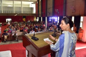 Former Union Minister of State for External affairs Maharani Preneet Kaur appealed to the youngsters to begin their Startups and create employment opportunities for overall development of the society. Maharani Preneet Kaur reached out to the youth of Punjab at Mohindra College, during the  concluding ceremony of Rural Entrepreneurship and Innovation Convention Expo organised by PHD Chamber of Commerce & Industry