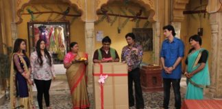 Jijaji wins an air cooler in Sony SAB's Jijaji Chhat Per HainJijaji wins an air cooler in Sony SAB's Jijaji Chhat Per Hain