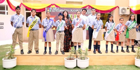 The Knowledge Bus Global School organized the Investiture Ceremony for the academic session 2018-2019