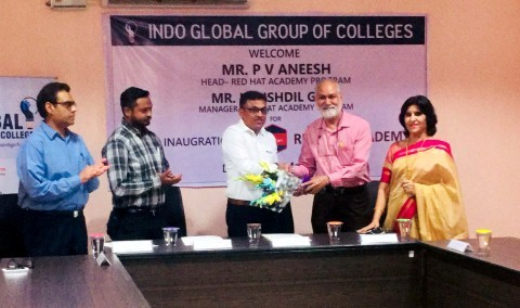 Indo Global Colleges signs MOU with Red Hat Academy & opened its centrev