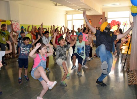 Bhangra Fest, Sports camp organized at The Knowledge Bus School