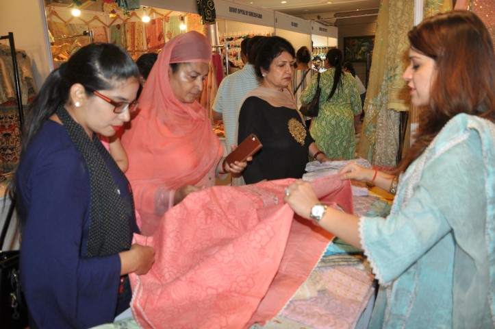 'UTSAV' BY TRENDS AN EXHIBITION THEMED ON TEEJ & RAKHI STARTS