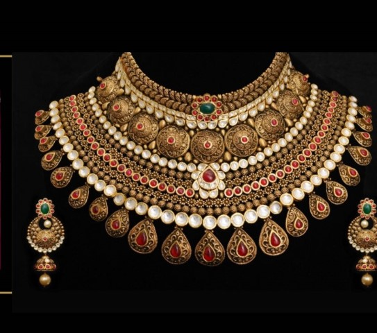 Khurana Jewellery House unveils exquisite Zareen Collection for Indian brides