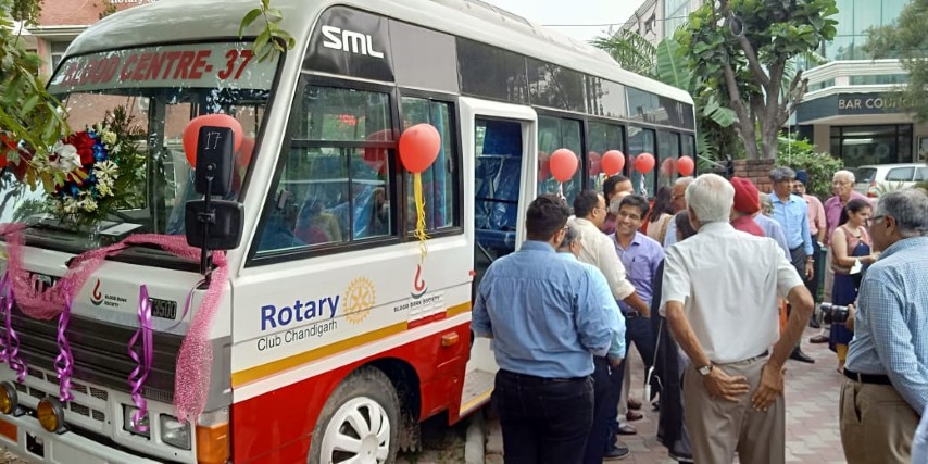 Mohan Fibre Products donates van for Rotary Blood Bank