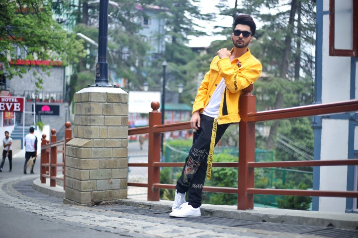 'Fitoor' B Jay Randhawa's new song is giving a new way to express love