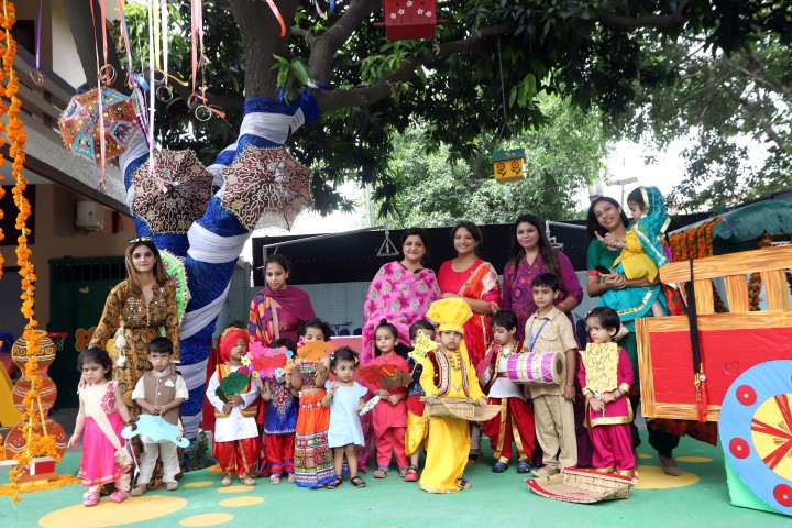 Kinderpillar Ivy School dipped in the Monsoon festival Teej with fervour