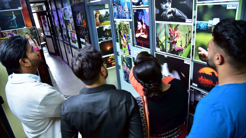 2-day students' photography exhibition concludes