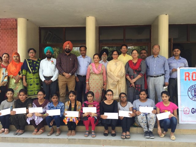 Rotary Club North awards Scholarships to the Govt. College of Girls, Ludhiana