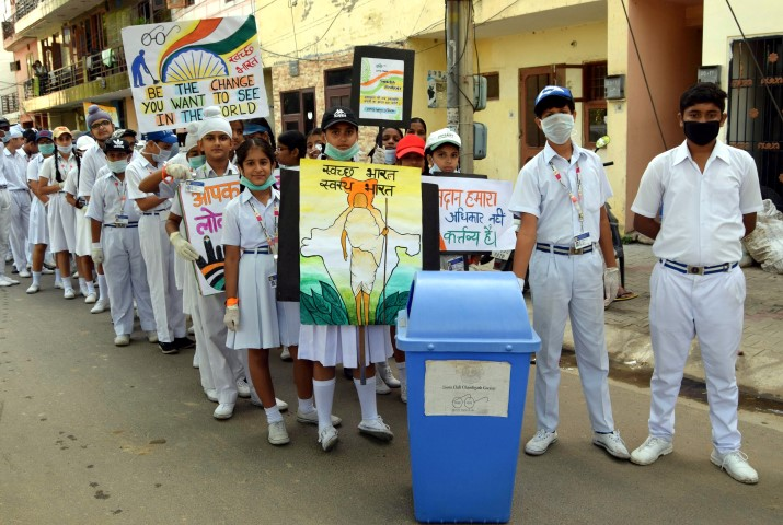 Ashmah International School took out a rally on the eve of  Gandhi Jayanti