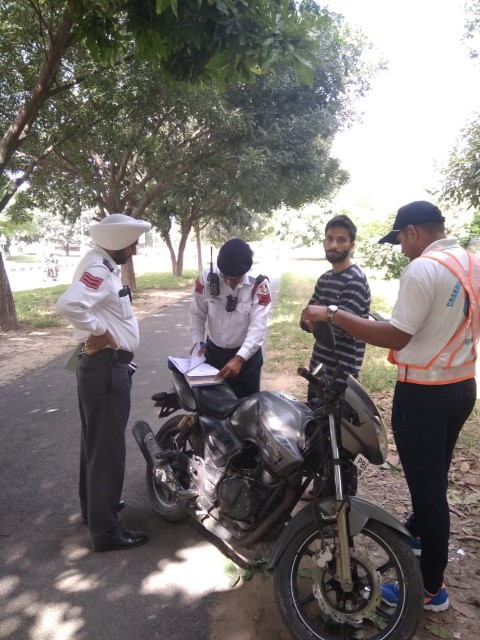 Chandigarh Traffic Police has launched special drive against the motorists plying