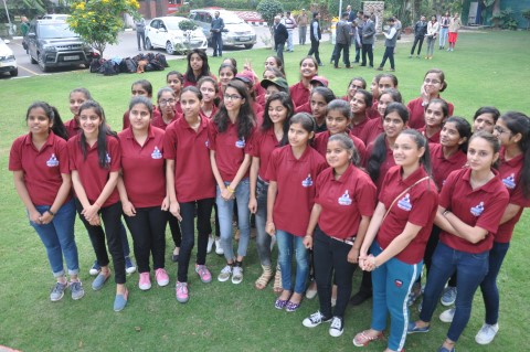 'Saansad Bharat Darshan' programme undertaken by 40 girls from Himachal