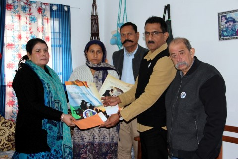 Atharva Foundation visits martyred soldiers' families