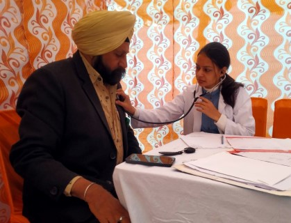 250 screened in a health camp at Gurudwara Shri Singh Sahib