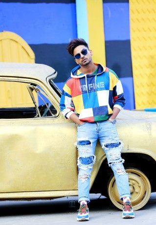 Bannet Dosanjh's 'Serious' proves that he is an uber-cool singing sensation