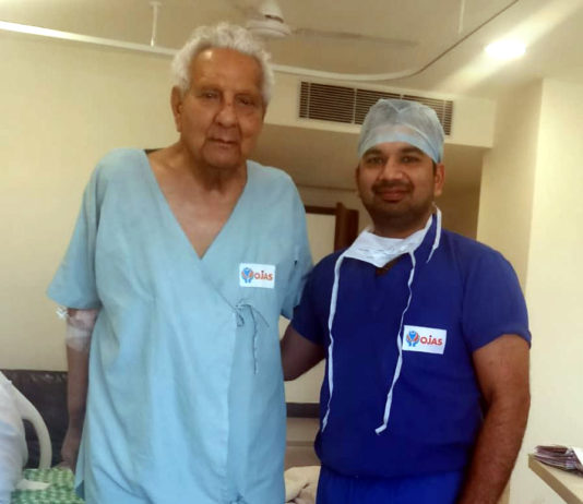 90-yr old man undergoes knee replacement surgery successfully