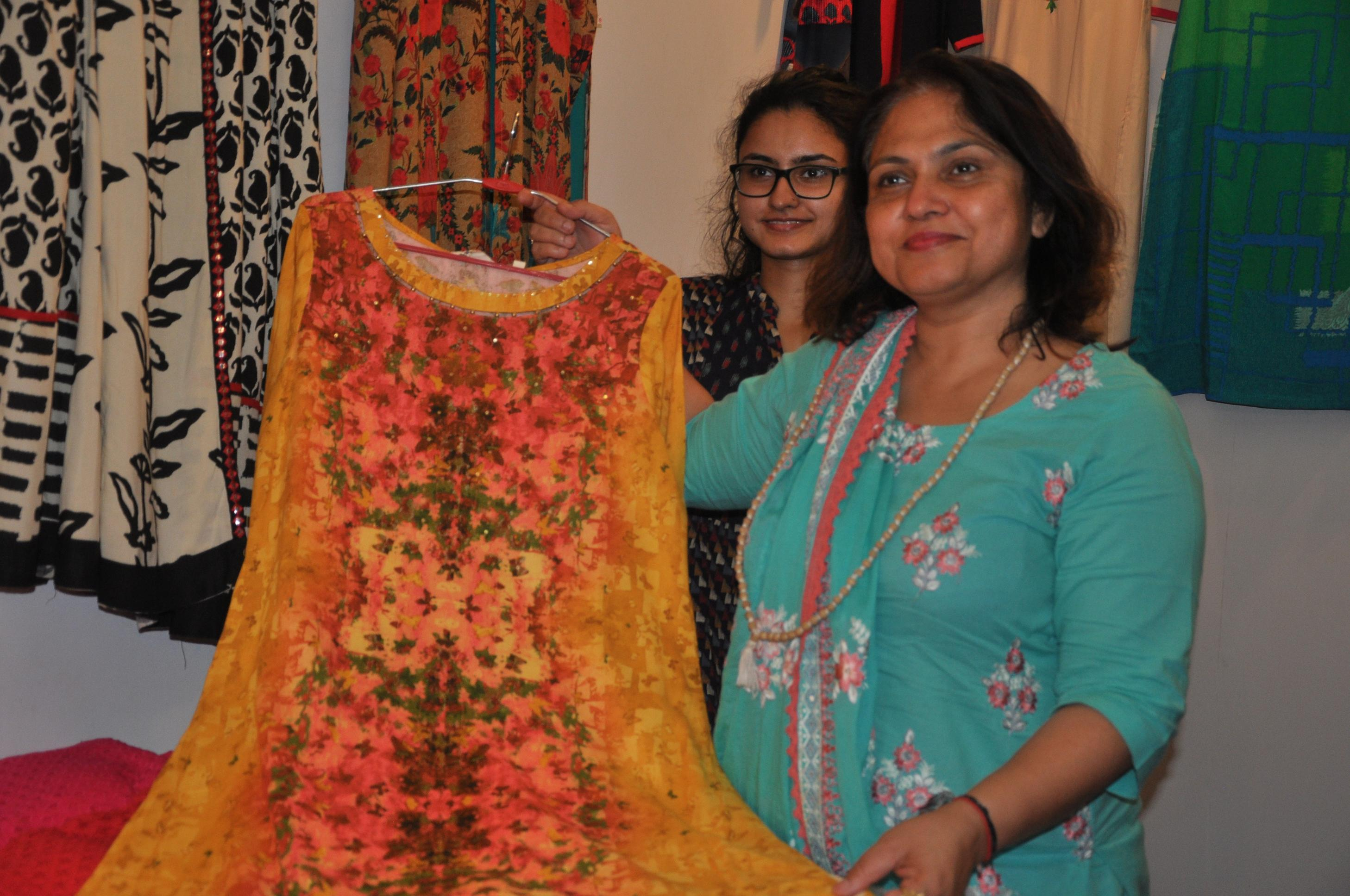 'Summer Fest' starts, showcases top apparel, accessories & home interior labels