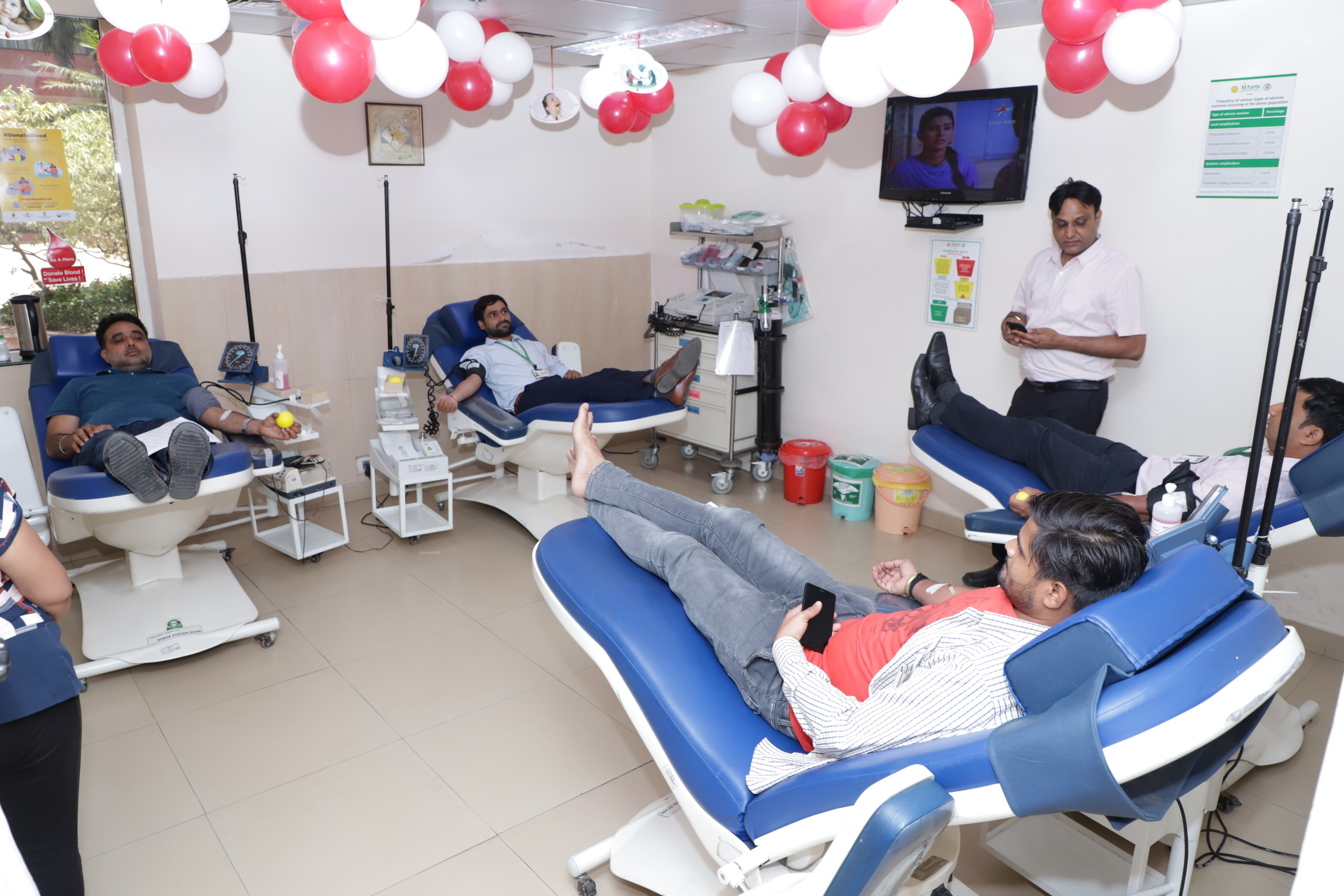 Doctors at Fortis Hospital, Mohali highlight the Health Benefits of Voluntary Blood Donation