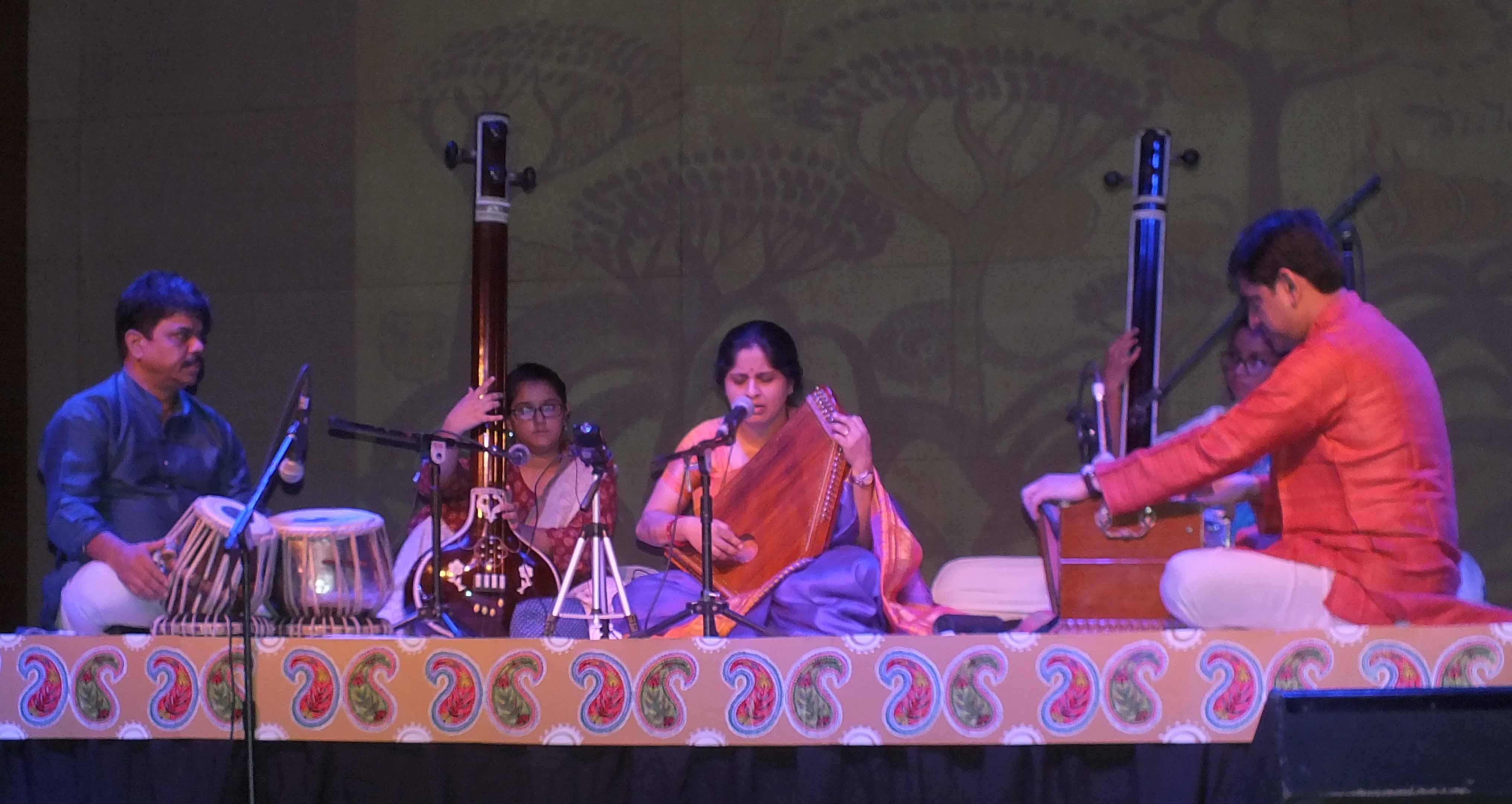Music presented in 'Varsha Ritu Sangeet Sandhya' delighted the audience