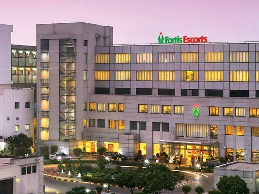 Doctors at Fortis Escorts Heart Institute perform India's First Coronary Shockwave Lithotripsy