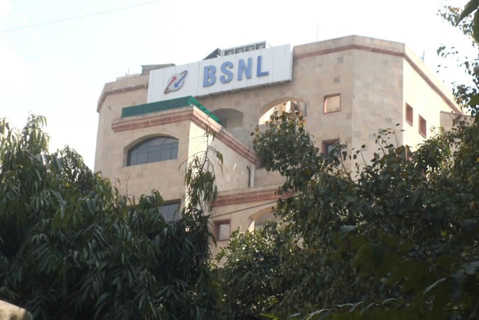 BSNL sources 53% of mobile network equipment from ZTE, Huawei