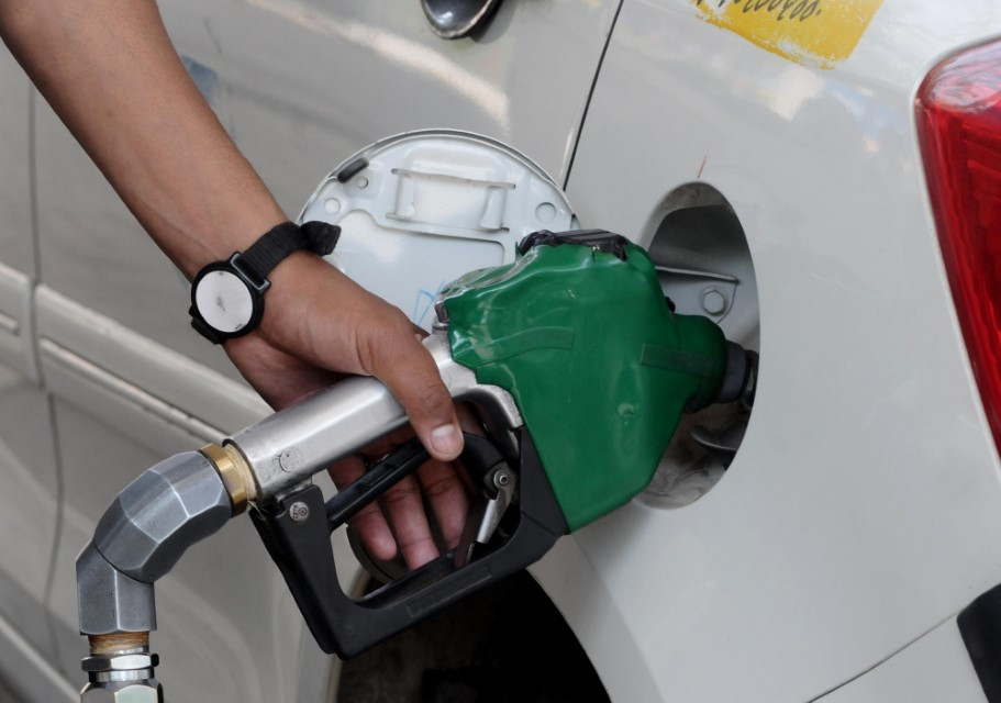 Re 1 cess on petrol diesel to fund Andhra road infrastructure