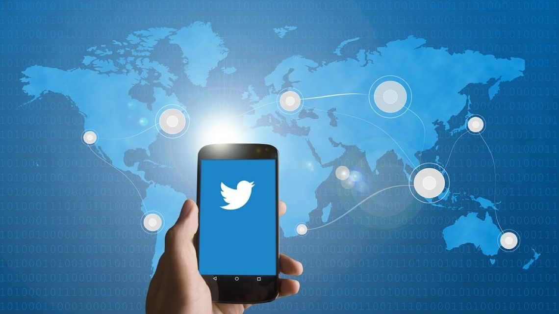 Twitter imposes new limits on political figures before US polls