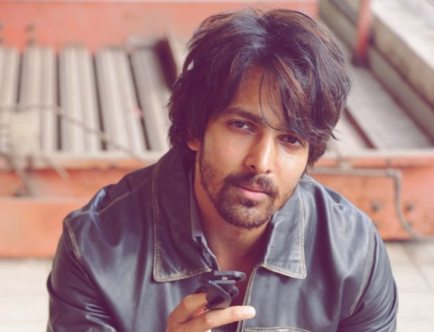 When Covid-stricken Harshvardhan Rane dubbed from hospital