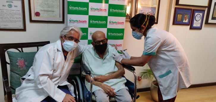 107-year-old male becomes oldest person in India to get COVID vaccination at Fortis Escorts Heart Institute