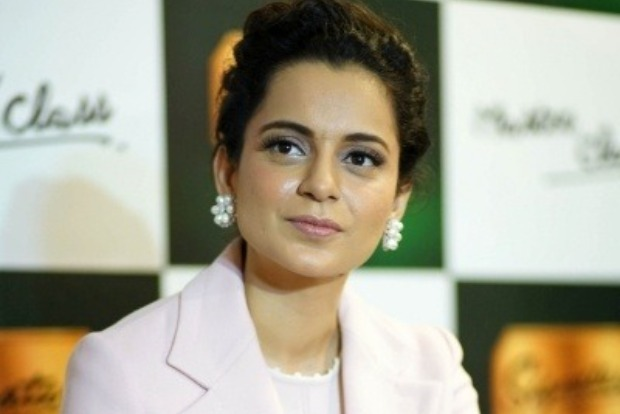 Kangana gives a shout-out to 'Tejas' director