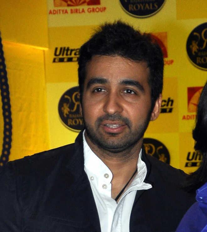 Porn case: Kundra's custody extended, police record Shilpa Shetty's statement